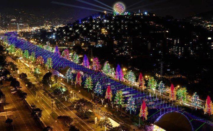 05.12.2018 | Bild des Tages | Weihnachtliches Medellín | Dream Boy ...