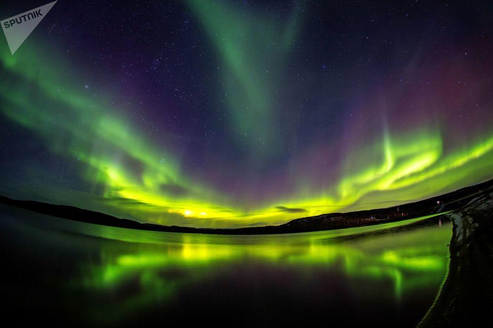 14.10.2018   Fotostrecke   @ Raphael Grant: Russische Polar auroras...