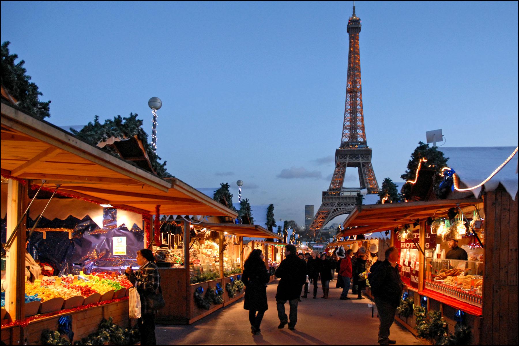 17.12.2018 | Bild des Tages | Weihnachtsmarkt in Paris | Dream Boy ...