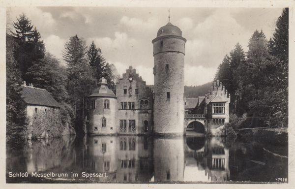 06.01.2019 | Bild des Tages | Ansicht von Schloss Mespelbrunn | Dre...