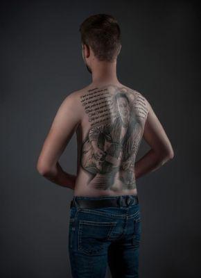 8.6.18 Tattoo auf dem Rücken von Robi Obermeier von Luca!
